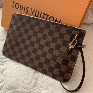Louis Vuitton Clutch/Pouch/Wristlet